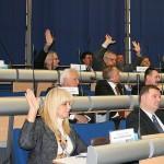 2009.11.04-głosowanie-2-ręce-orpych